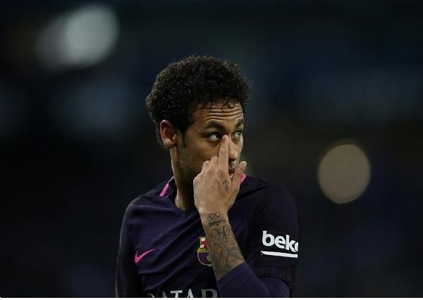 نيمار يتخذ قراره النهائي بشأن مستقبله مع برشلونة