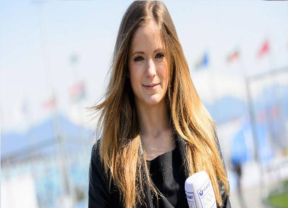 بالفيديو.. مذيعة سويدية تتعرض للتحرش في نهائي الدوري الأوروبي