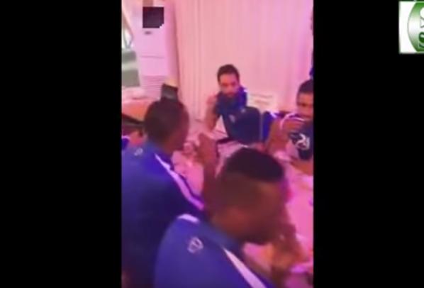 بالفيديو.. لحظة افطار لاعبي الهلال في قطر