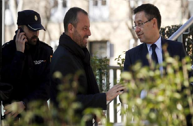 """ماذا طلب القطريون من رئيس برشلونة """"المسجون""""؟"""