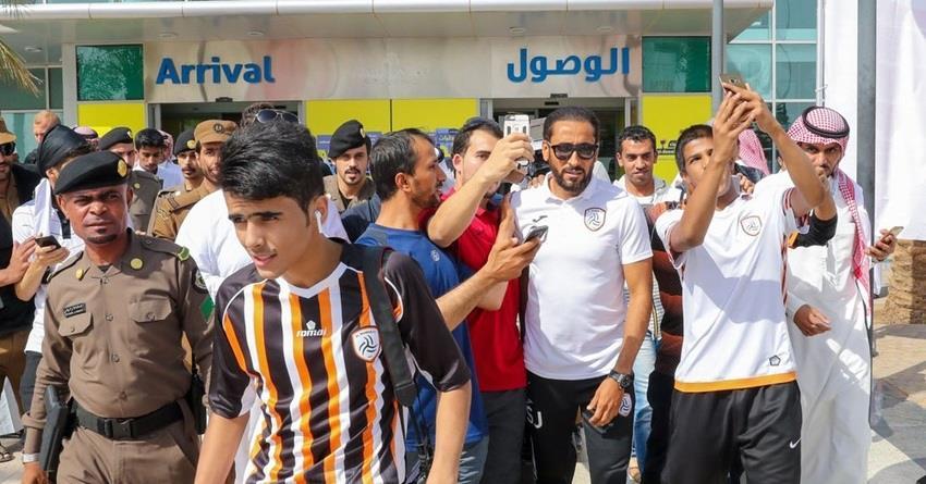 الجابر يواصل جذب الجماهير ووسائل الإعلام