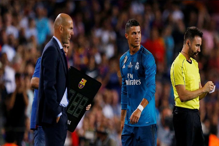 أنباء رحيل كريستيانو رونالدو عن ريال مدريد تتجدد.. لماذا؟