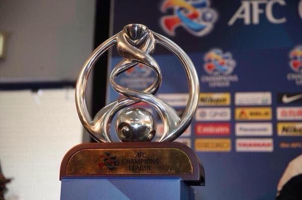 """"""" هلالي"""" و """" أهلاوي """" و """"عيناوي"""" ضمن تشكيلة دوري أبطال آسيا المثالية ( صورة )"""