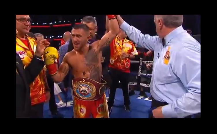 بالفيديو .. لوماتشينكو يفوز ببطولة العالم في الملاكمة لوزن الريشة