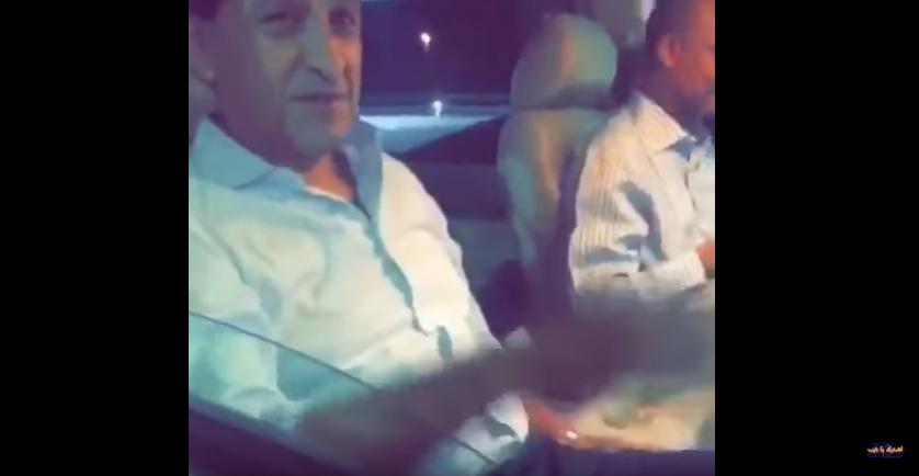 بالفيديو..احد الجماهير يناقش دياز و يقول له لماذا اتيت بماتياس و نريد آسيا