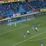 بالفيديو..أكثر اللاعبين تعرضاً للسخرية في تاريخ كرة القدم يسجل هدفاً خيالياً