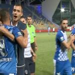 بالفيديو..الغضب يتسبب في كسر إصبع لاعب روماني بعد إهداره ركلة جزاء