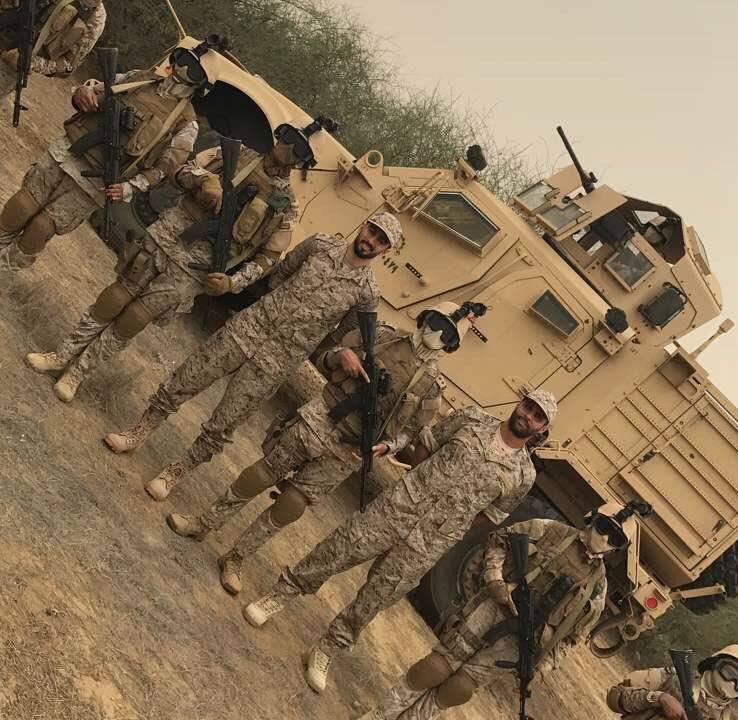 بالفيديو والصور..القحطاني والسهلاوي يرتديان البزّة العسكرية ويتوجهان للحدود