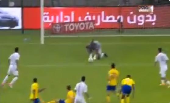 بالفيديو.. محاولة من عمر السومة لتسجيل هدف في شباك النصر