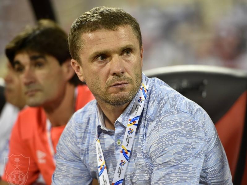 رئيس الأهلي يكشف حقيقة إقالة ريبروف