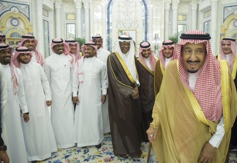 أول تعليق لعادل عزت عقب استقبال الملك سلمان للاعبي المنتخب