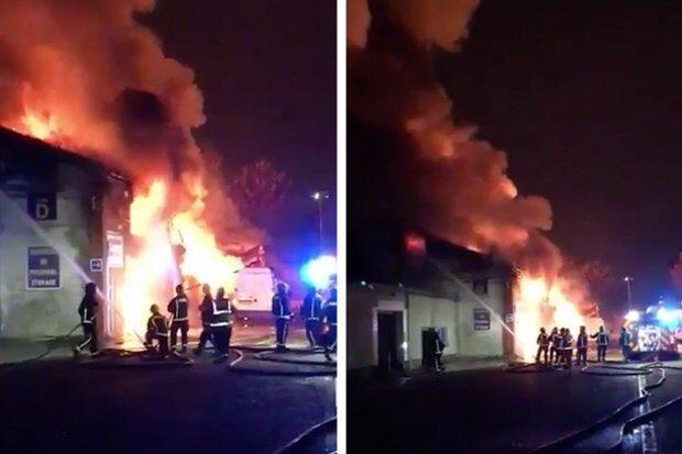 بالفيديو.. حريق هائل يلتهم ملعب توتنهام القديم.. والأدخنة تتصاعد في سماء لندن