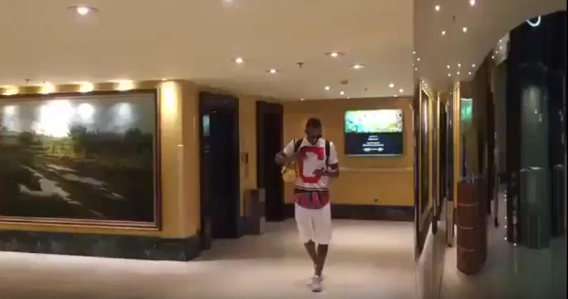بالفيديو..وصول سعيد المولد إلى معسكر المنتخب استعدادًا لمواجهة اليابان