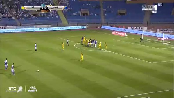 بالفيديو.. هدف أول ملغي للهلال بسبب خروج الكرة