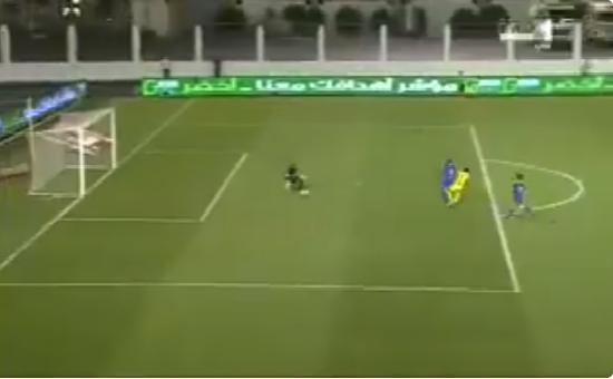 """بالفيديو.. """"كارلوس أندريا"""" يسجل الهدف الثاني لأحد في مرمى النصر"""