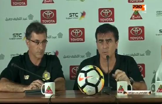 """بالفيديو.. هذا ما قاله """"غوستافو"""" مدرب النصر بعد تعادل فريقه مع أحد"""