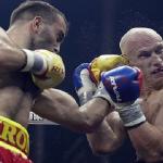 بالفيديو.. ملاكم روسي يسقط منافسه البولندي بالضربة القاضية!