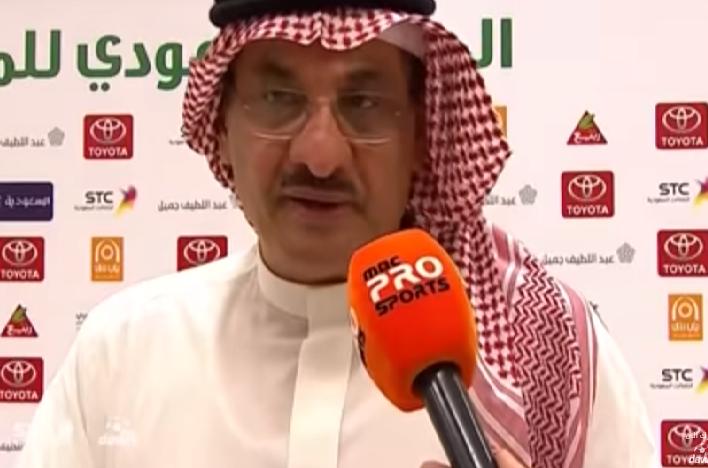 شاهد: إنفعال طارق كيال بسبب غضب الجماهير الأهلاوية من المدرب!
