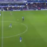 بالفيديو.. روني يسجل هدفاً خيالياً من قبل منتصف الملعب!