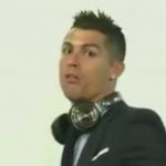 """بالفيديو..رونالدو """"يثور"""" في وجه الصحفيين"""