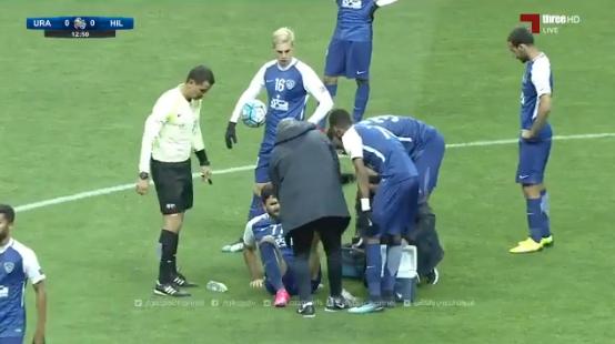 بالفيديو : عمر خريبين يخرج متأثراً من تدخل لاعب فريق اوراوا د13