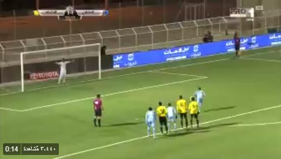 بالفيديو.. حارس الاتحاد ينقذ مرماه من الهدف الثاني ويتصدى لركلة جزاء من الباطن!