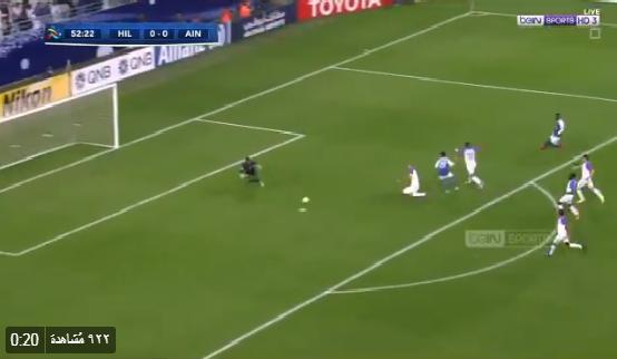 بالفيديو: دفاع العين الإماراتي يمنع بن شرقي من فرصة احراز هدف للهلال