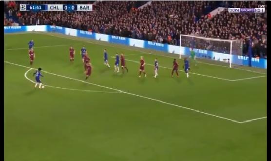 بالفيديو.. ويليان يسجل هدف رائع لـتشيلسي في شباك برشلونة