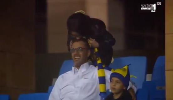 شاهد.. كيف عبرت طفلة عن فرحتها بفوز النصر على الرائد؟