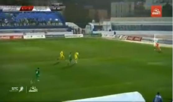 بالفيديو.. سالم الدوسري يهدر فرصة هدف محقق بعد تمريرة مميزة من السهلاوي