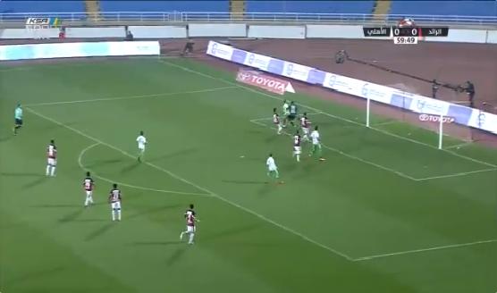 بالفيديو.. ليوناردو يسجل الهدف الأول للأهلي في شباك الرائد