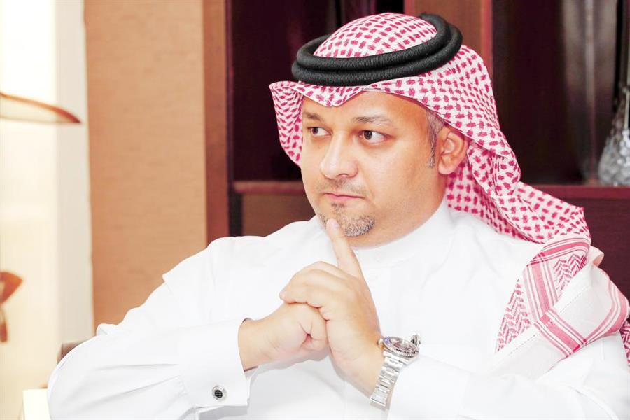 """تصريحات عادل عزت تشعل غضب جماهير الأهلي..ومغرد يطالب باللجوء لـ""""فيفا""""!"""