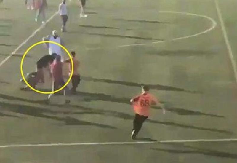 بالفيديو.. أسوأ اعتداء على حكم بالملاعب البريطانية