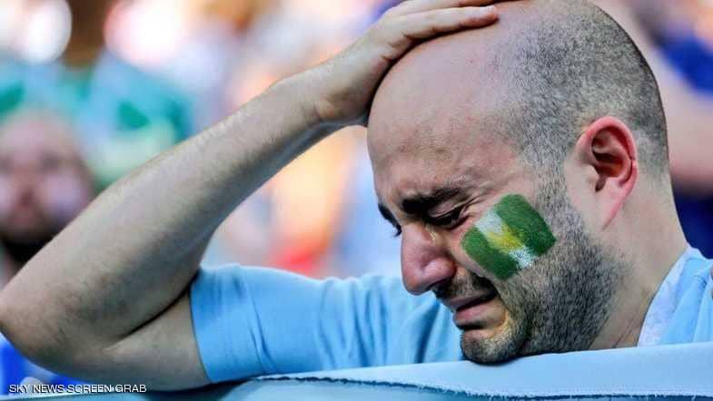 """نسور نيجيريا تحقق حلم المشجع الأرجنتيني """"الباكي""""-صورة"""