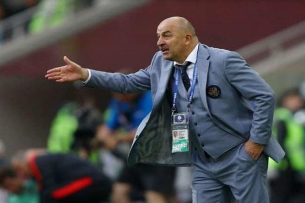 مدرب روسيا يشبه المنتخب السعودي بهذا النادي