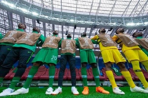 """تعرف على التشكيل المتوقع لـ""""الأخضر"""" أمام """"أوروجواي"""" في مباراة اليوم"""
