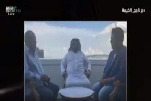 """بالفيديو.. """"آل الشيخ"""" يشهد عقد انضمام الإعلامي وليد الفراج لأضخم برنامج رياضي"""