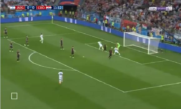 بالفيديو.. فرصة هدف محقق تضيع من المنتخب الأرجنتيني