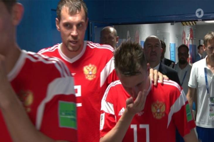"""صحيفة تكشف عن """"مفاجأة"""" مثيرة حول المادة التي استنشقها لاعبو روسيا في المونديال!"""