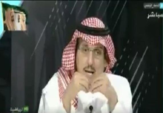 """بالفيديو..محمد الدويّش لـ سامي مؤمن: في حالة صدور قرار بتدريب """"دياز"""" للمنتخب الأرجنتيني سيذهب أم لا ؟ والأخير يرد"""