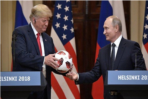 المخابرات الأميركية تفحص الكرة التي قدمها بوتين هدية لترامب