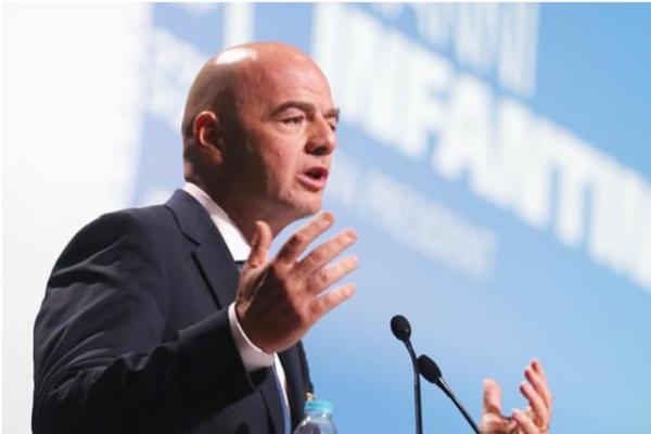 """رئيس """"الفيفا"""" يعلن موقفه من ترشّح ثلاثي عربي لاستضافة مونديال 2030"""