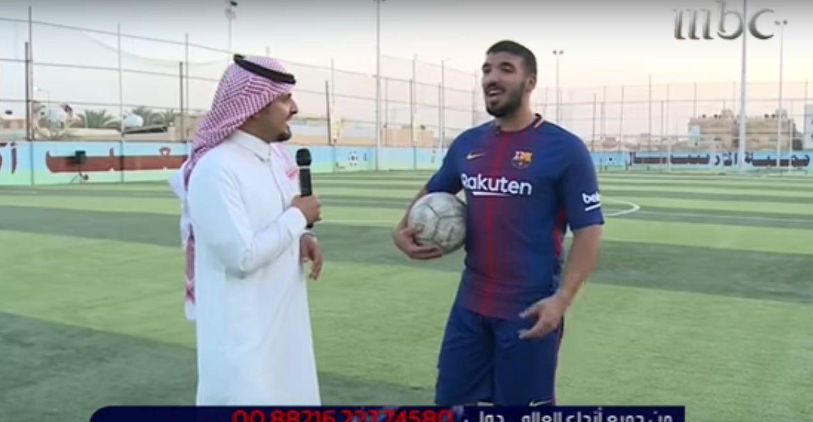"""شاهد بالفيديو..من هو شبيه """"سواريز"""" السعودي الذي حاول الاحتراف في الهلال والنصر؟"""