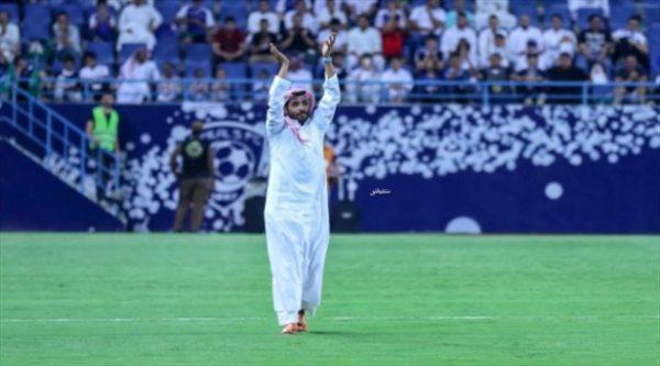 رئيس الهلال يرصد مكافأة خاصة للاعبين عقب الفوز على الفتح