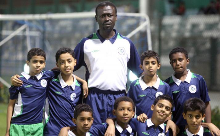 آل الشيخ يتكفل بإقامة حفل اعتزال خالد مسعد