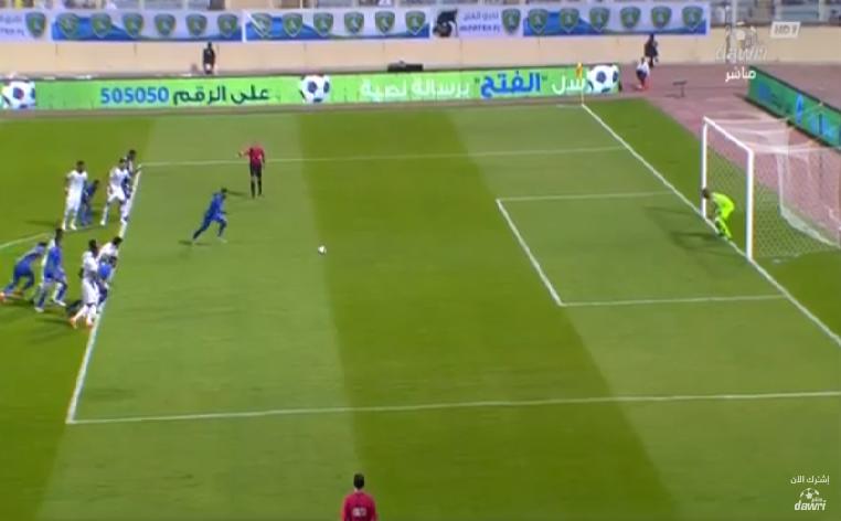 بالفيديو.. عبدالقادر الوسلاتي يسجل هدف التعادل للفتح في مرمى الهلال