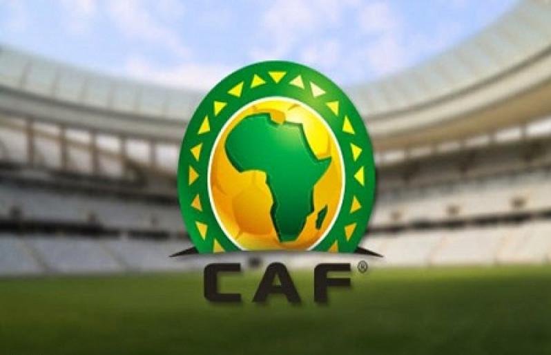 الاتحاد الأفريقي يغرم الأهلي المصري ويثقف جماهيره