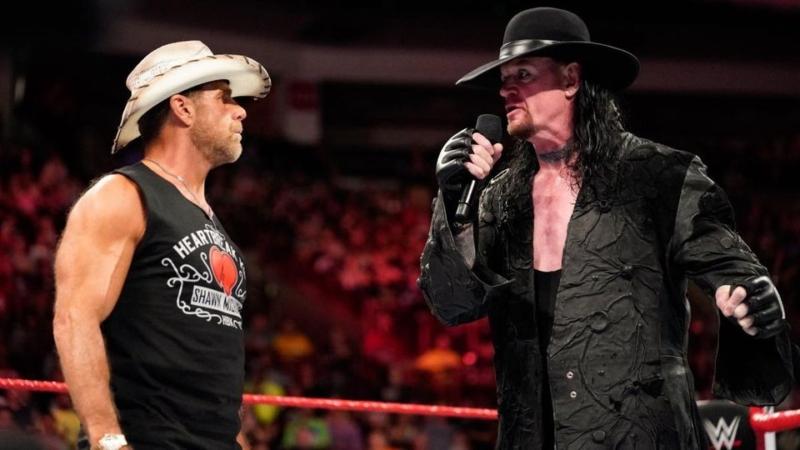 مواجهات نارية وعودة أسطورة المصارعة في جولة WWE التاريخية بالمملكة