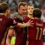 تم تصوير افعالهما عبر كاميرات المراقبة..اعتقال لاعبي كرة قدم بمنتخب روسيا