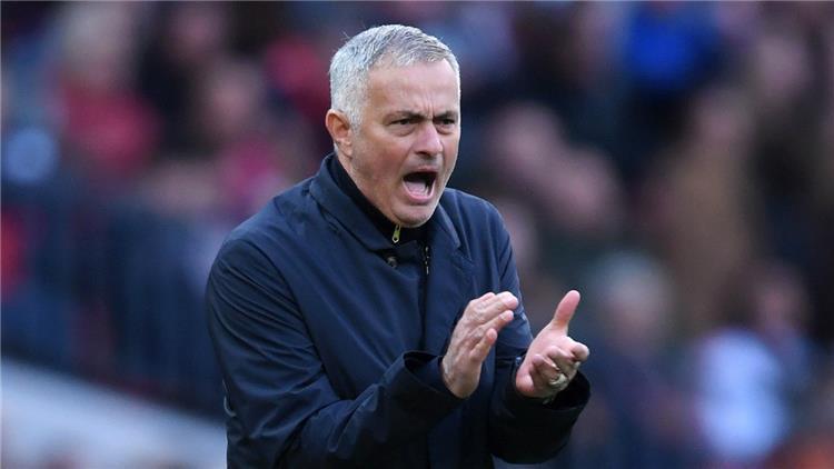 مورينيو يطلب من مانشستر يونايتد ضم هذا اللاعب